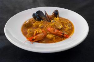Arroz caldoso de marisco y verduras
